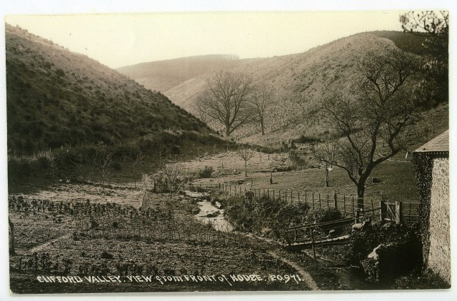 Clifford Valley postcard from the 1920s